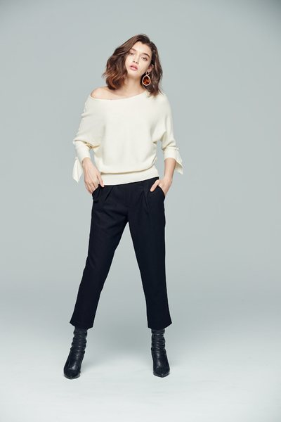 Elegant  cozy knitted tops