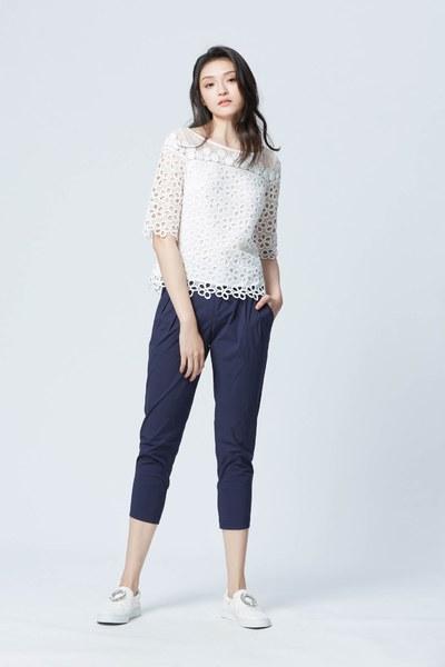 Romantic lace flower blouse