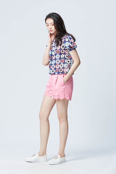 Abstract flower pattern blouse