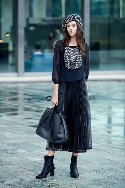 Chest-length sequined long-sleeved top