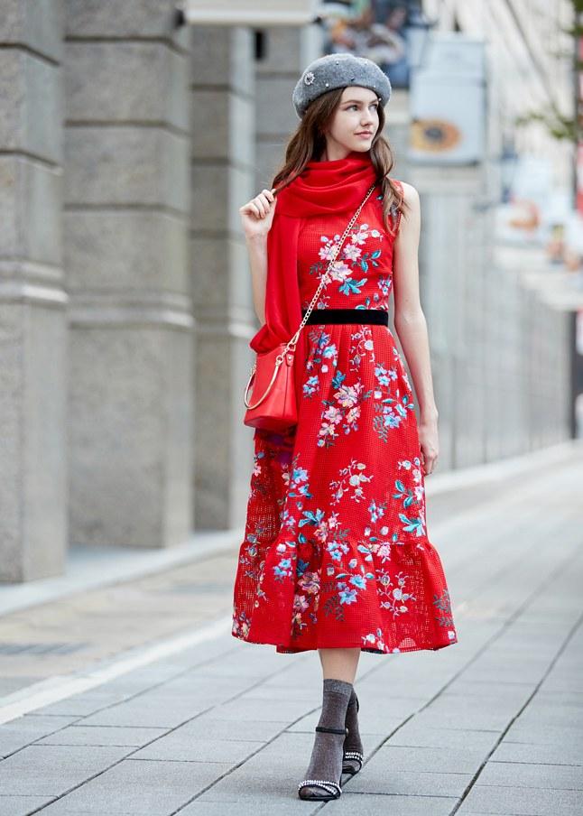 古典氣質女人花卉刺繡洋裝
