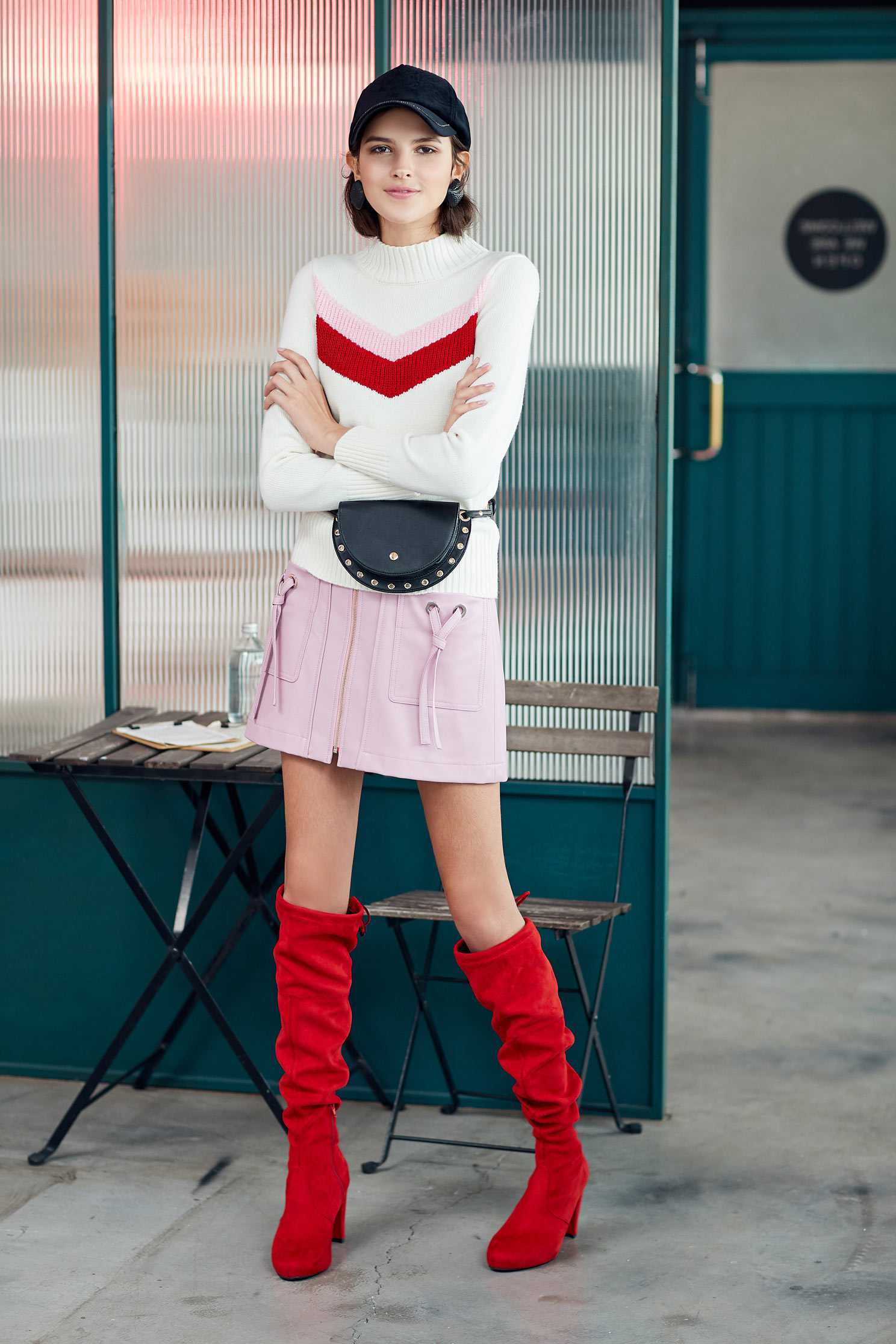 Micro stand collar color matching knit top