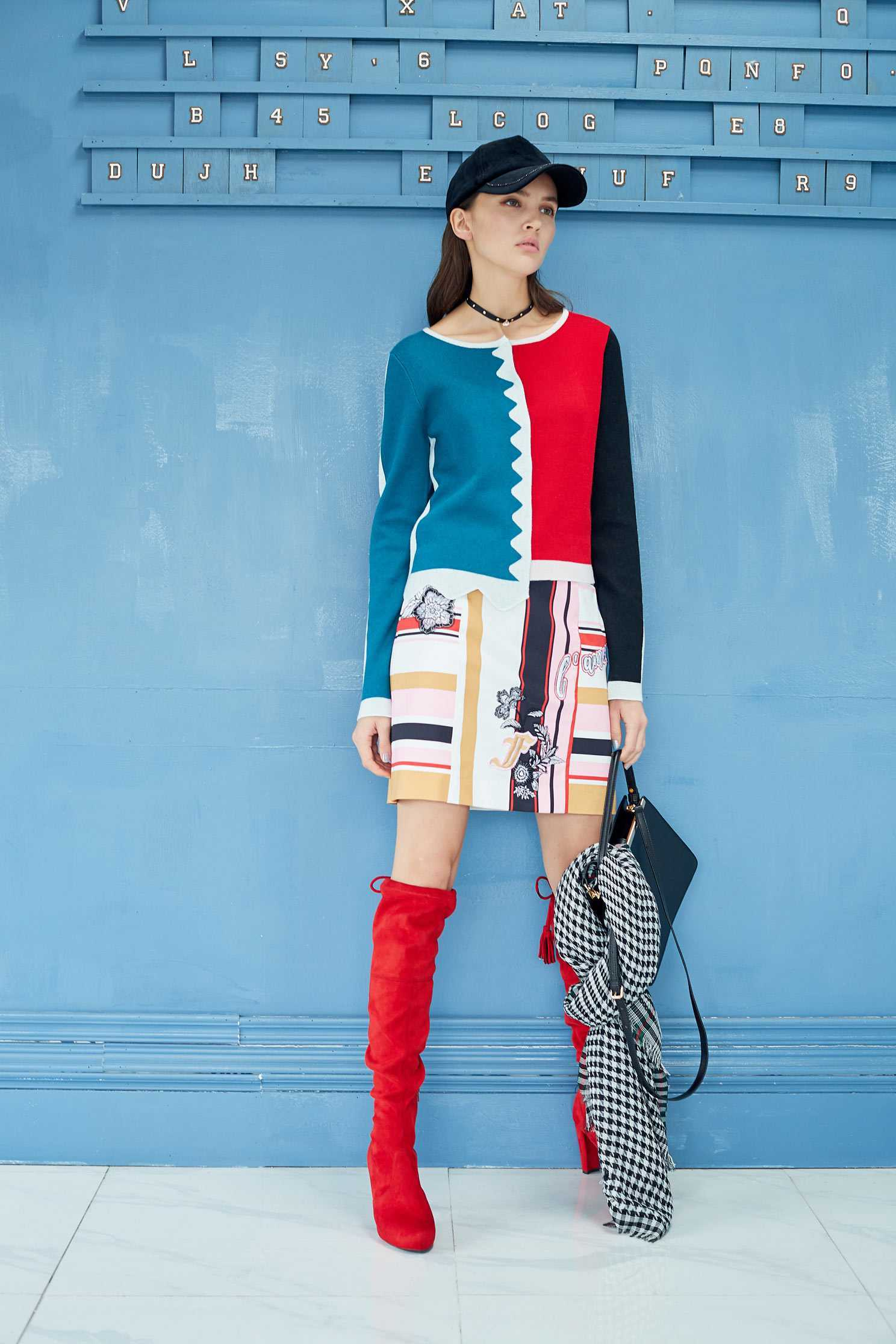 Splicing color matching knit top