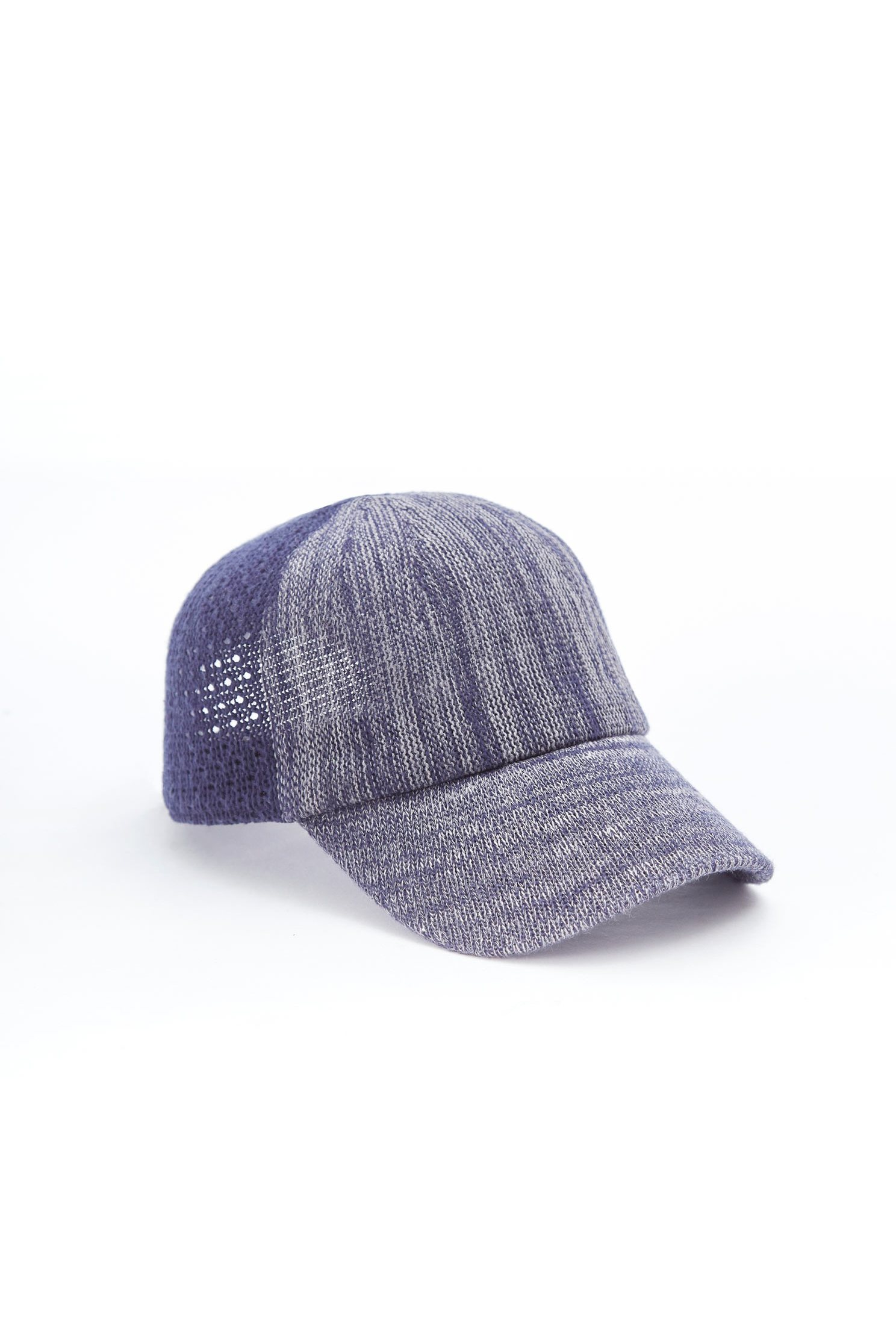 Color matching stitching baseball cap
