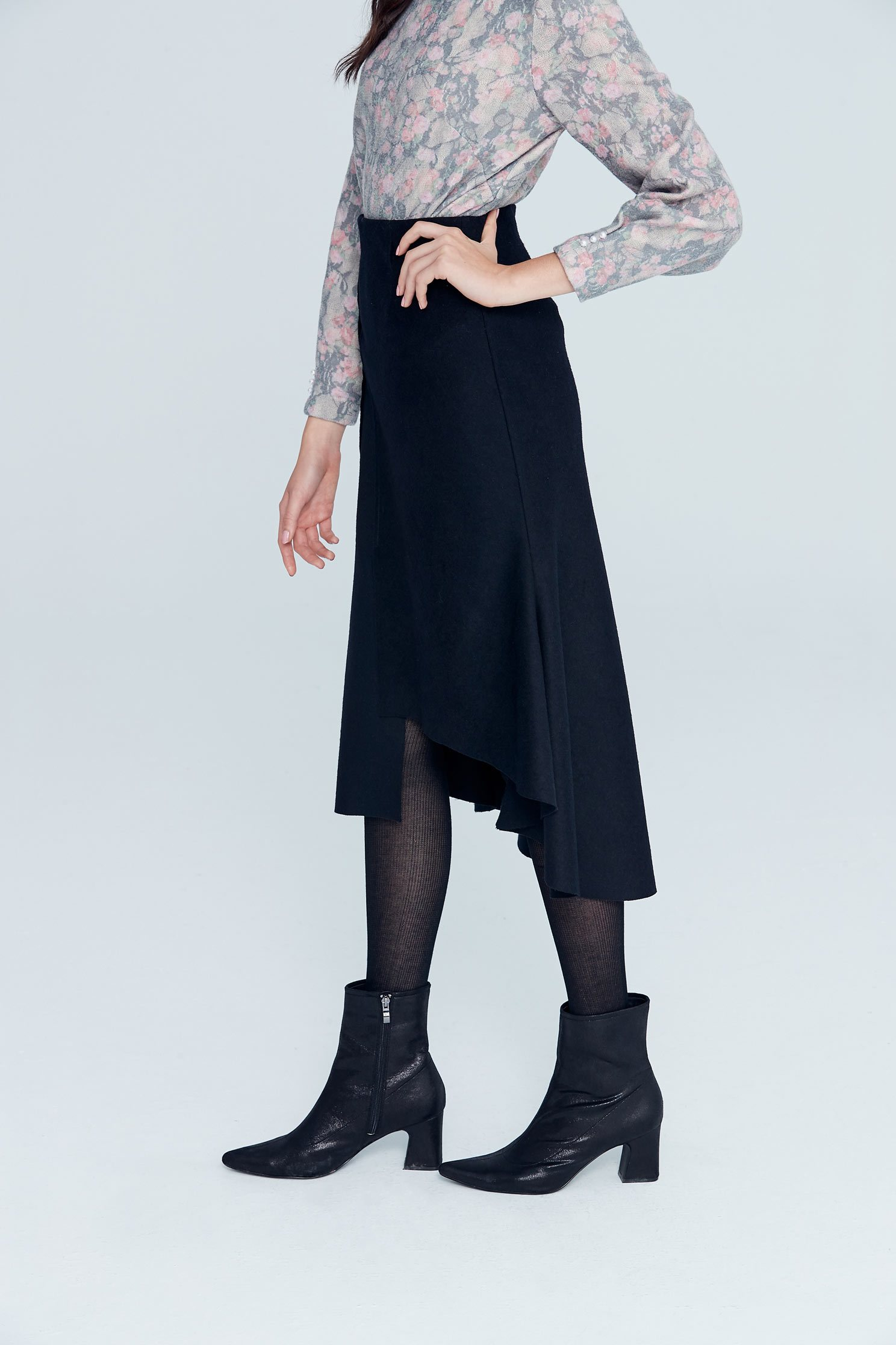 Irregular classic fashion long skirt