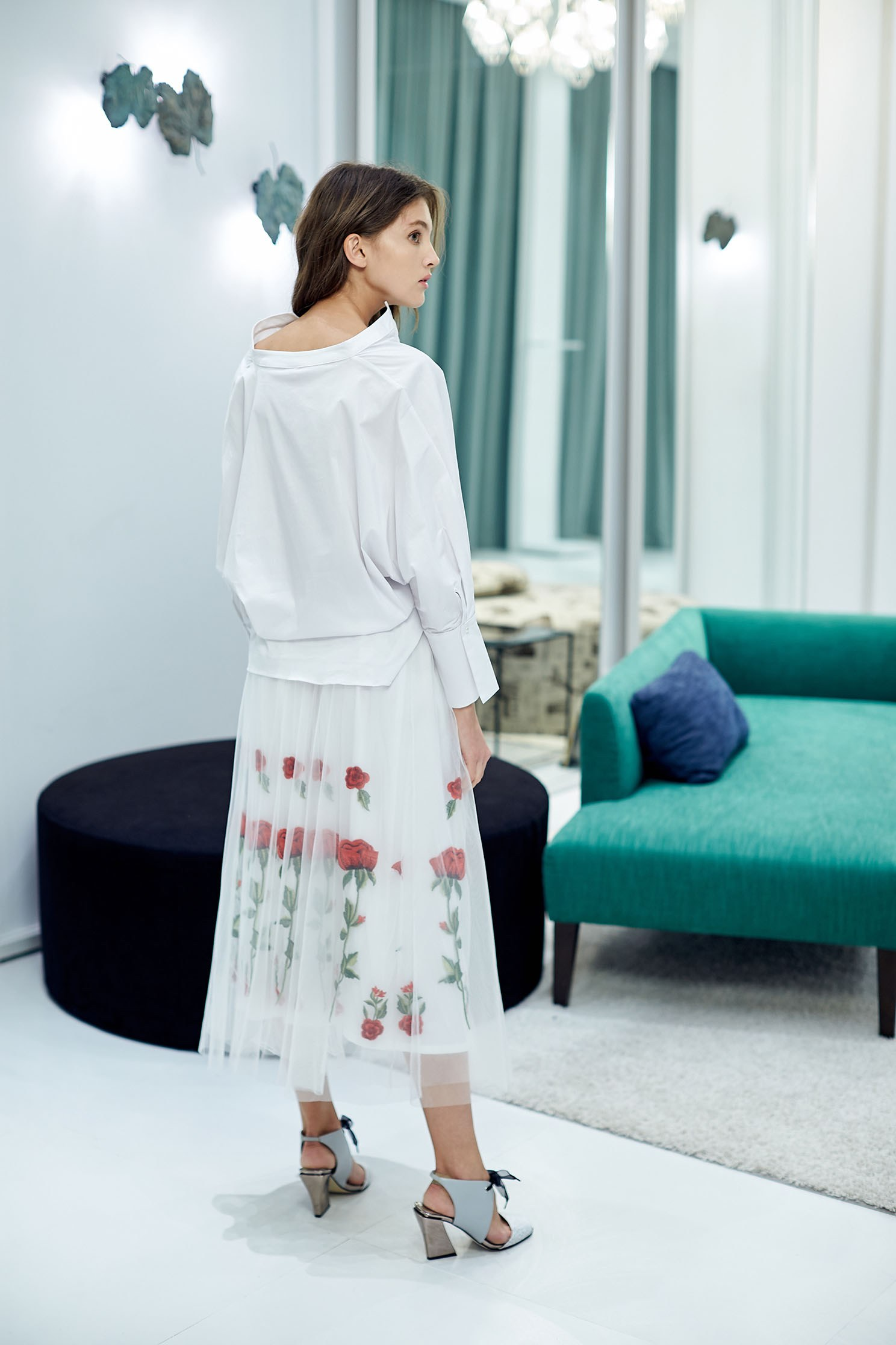 Graceful rose embroidery skirt