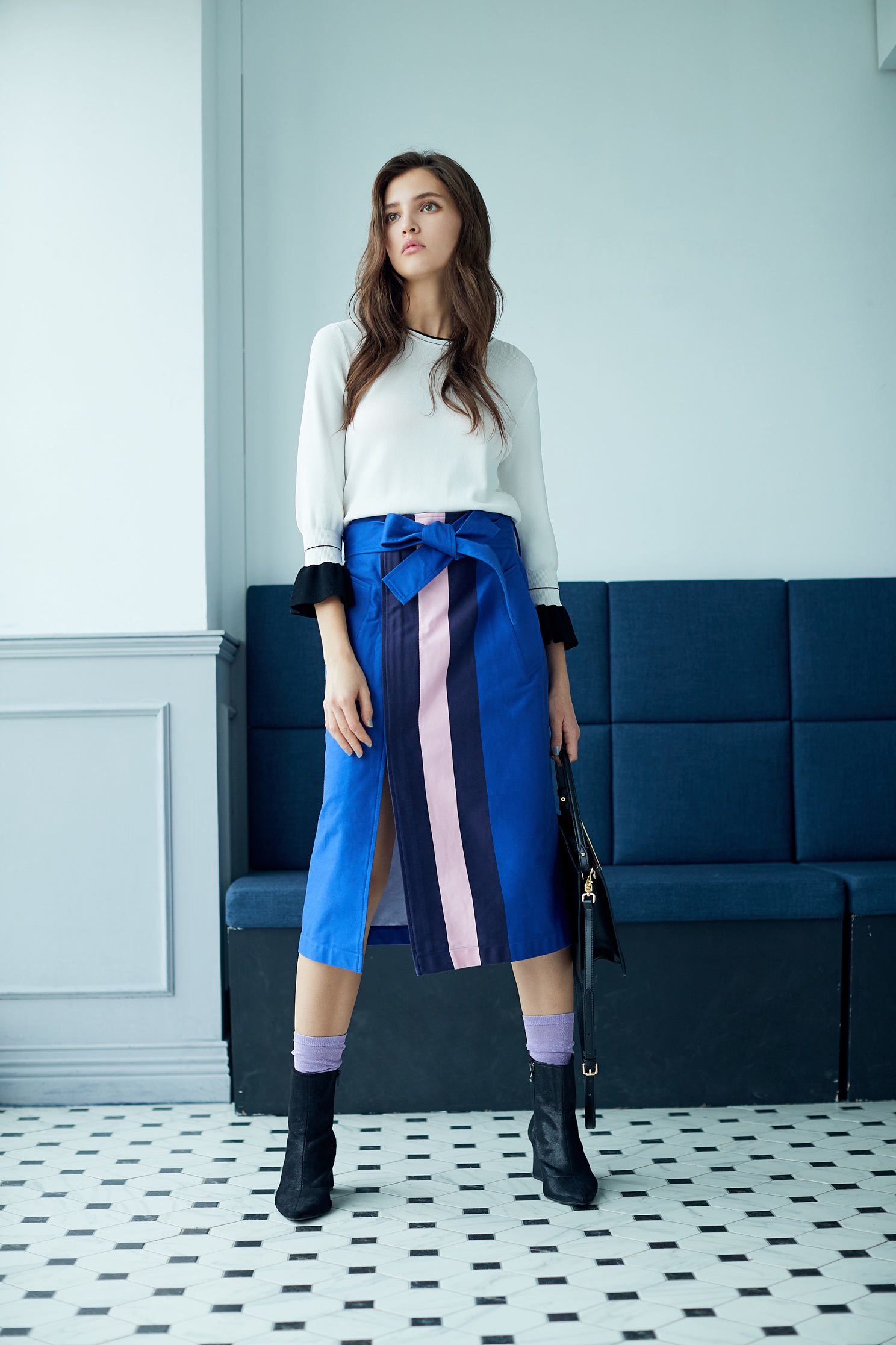Contrast color  mid-length skirt