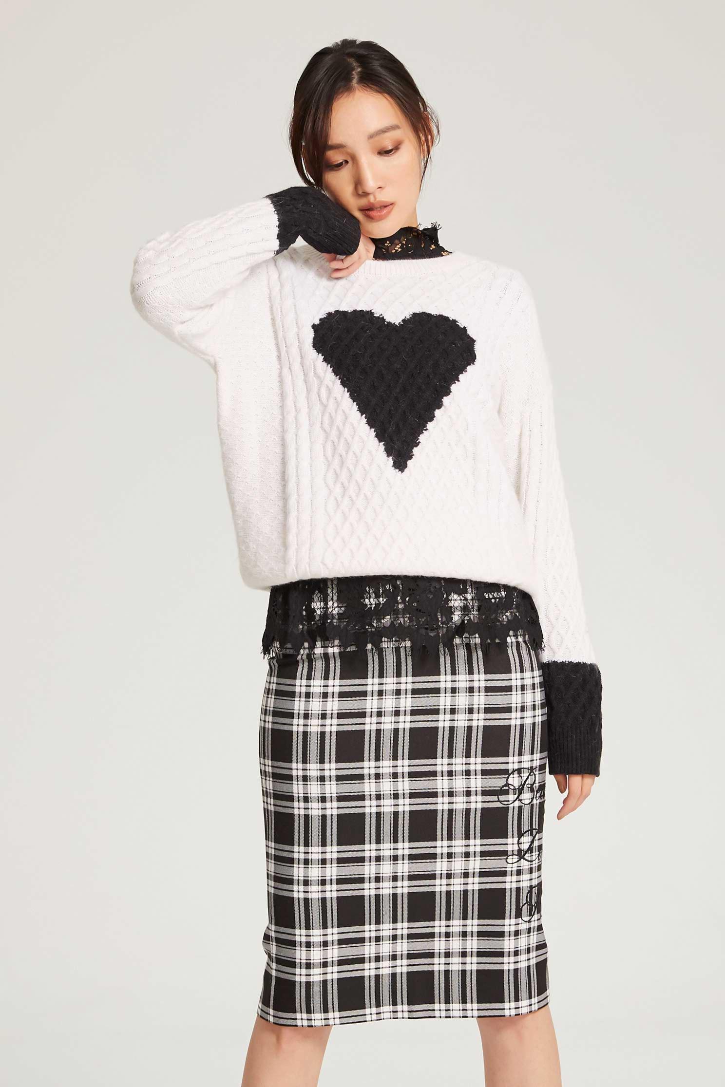 Heart pattern classic top