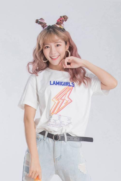 Men and women wear-iRoo x LamiGirls Lightning Pop Cotton Short Sleeve Tshirt