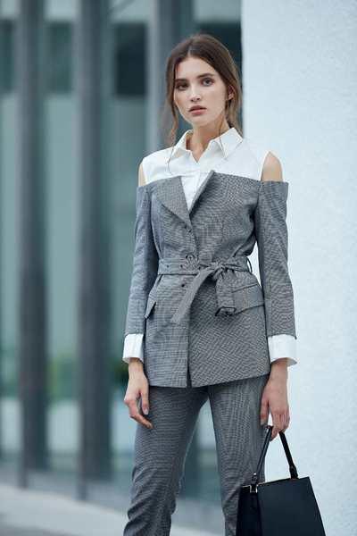 Fake two-piece cropped classic blazer
