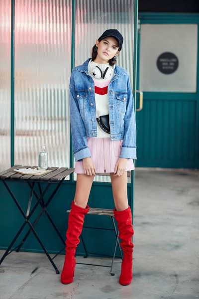 Color matching fur collar denim coat