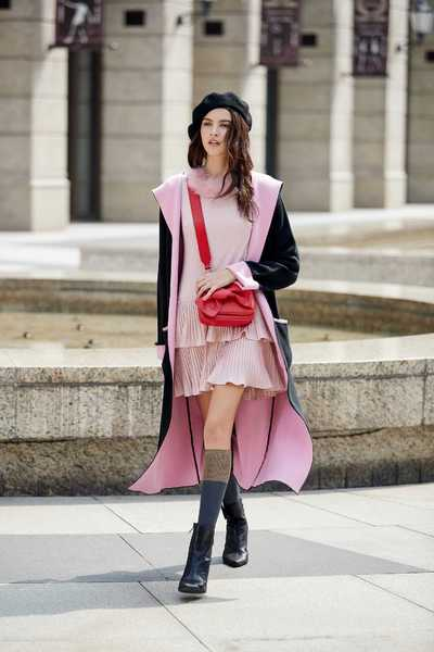 Color matching classic design coat