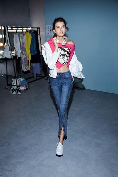 Side zipper slim jeans