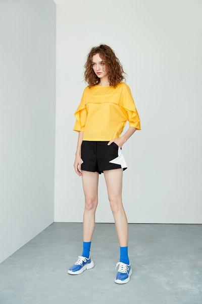 Star modeling fashion shorts