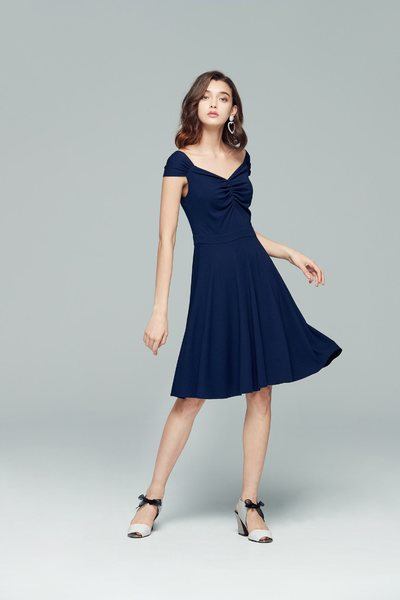 Elegant wrinkle design dress