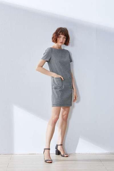 Double pocket classic dress