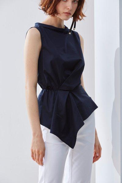 Irregular wrinkle classic design vest