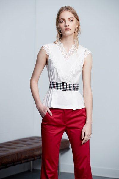 Lace stitching classic design sleeveless top