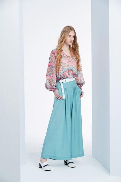 Elegant pattern top