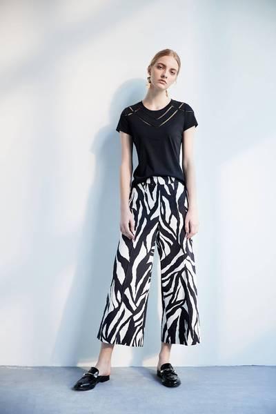 Lace classic design top