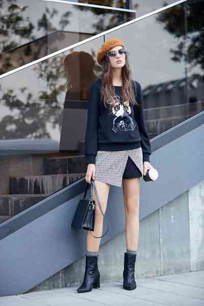 round neck lovely cat printed design knit top