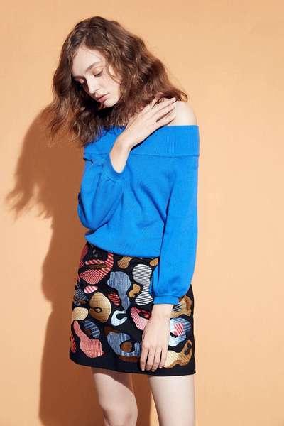 Elegant Off-the-shoulder knit top