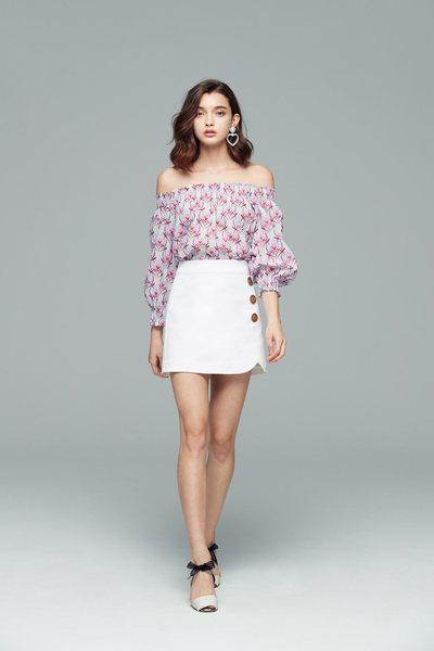 Elegant floral fashion three-quarter sleeve top
