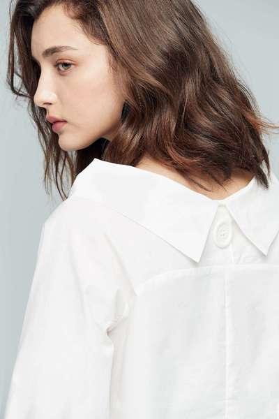 Classic elbow-length sleeve top